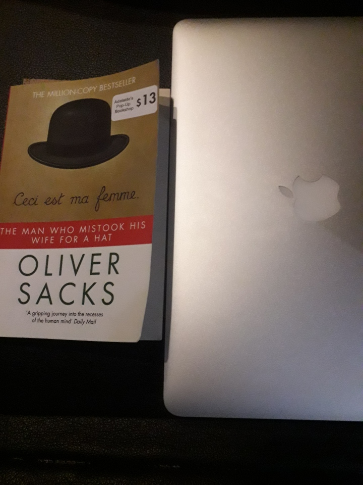 The man who mistook his wife for a hat – Oliver Sacks